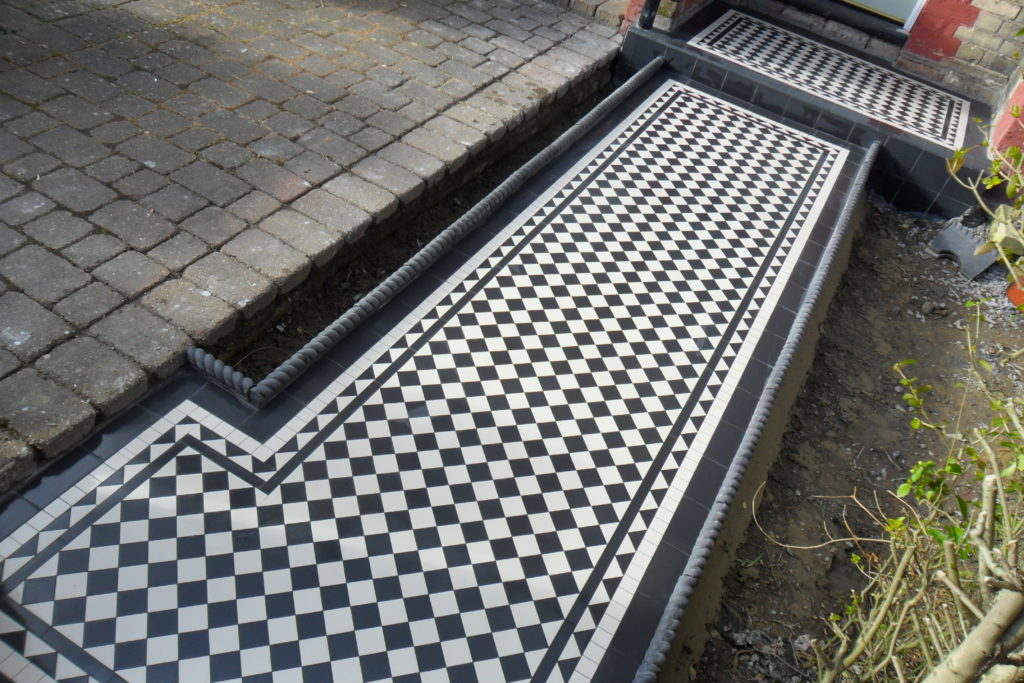 Victorian Rope Edging For Garden Pathways Specialist Tiling And Tile Restoration Service London
